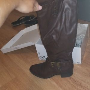 Boots, never been worn